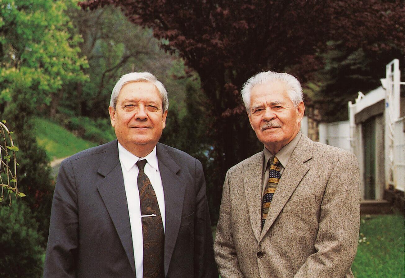 Az ügyet az embert próbáló időkben is támogató Pozsgay Imrével (Budapest, 1999)
