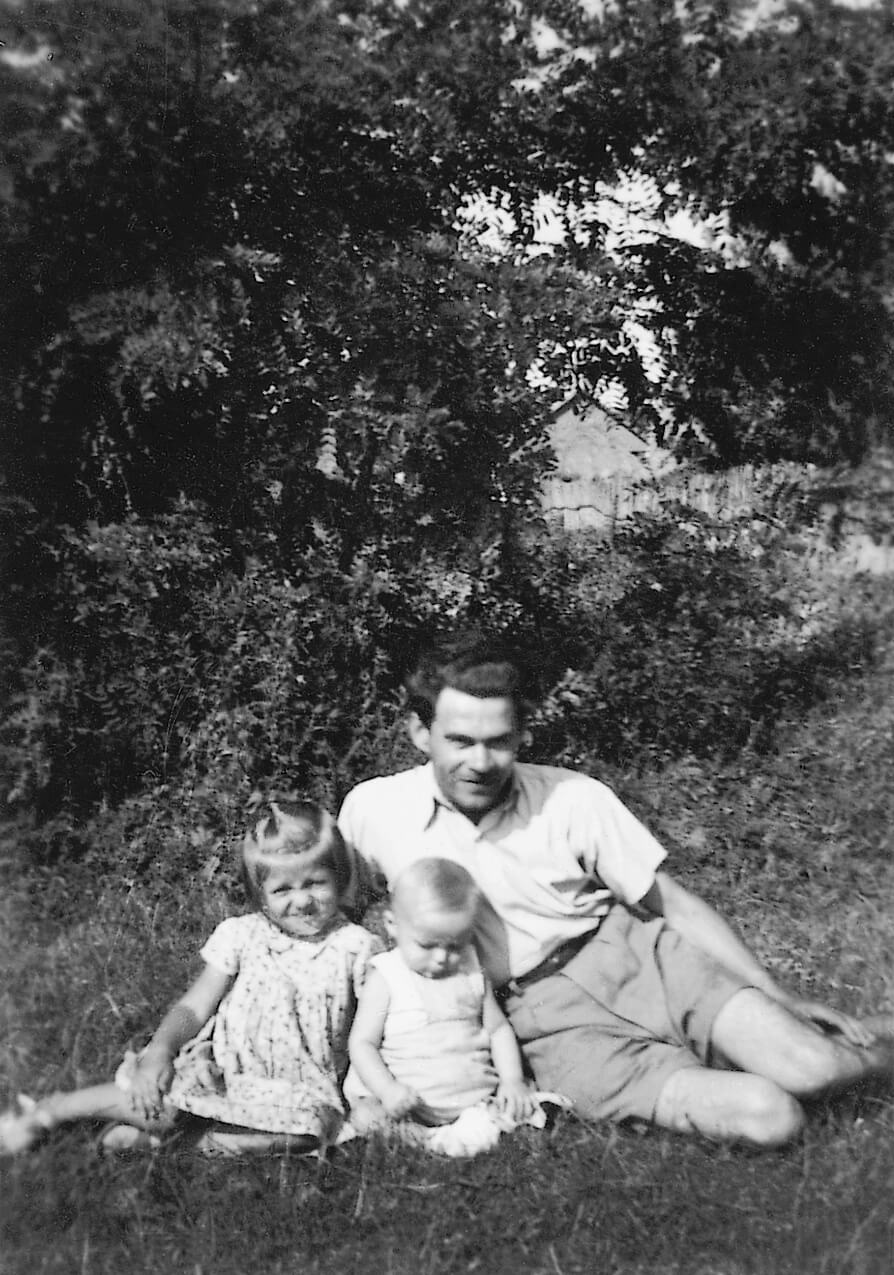 Gyermekeivel, Katikával és Józsikával (Anarcs, 1953)